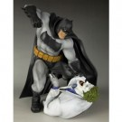 DC Comics The Dark Knight Returns - Batman Hunt The Dark Knight 1/6 Scale ARTFX Statue 30cm KotSV70
